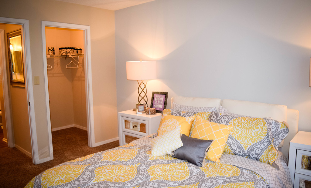 Woodland Trace Apartments Bedroom